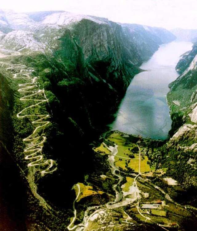 Lysebotn Road_Norway