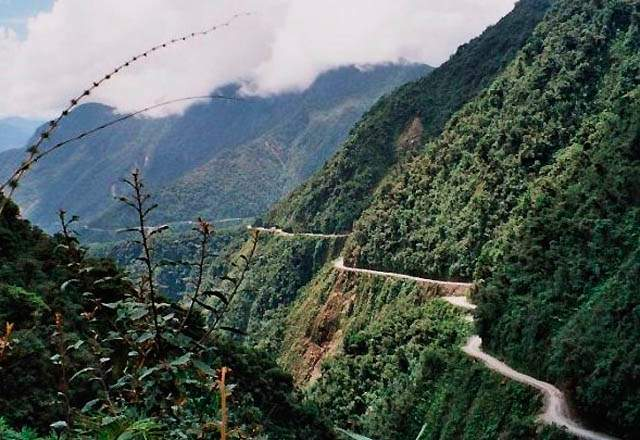 road-of-death-bolivia1