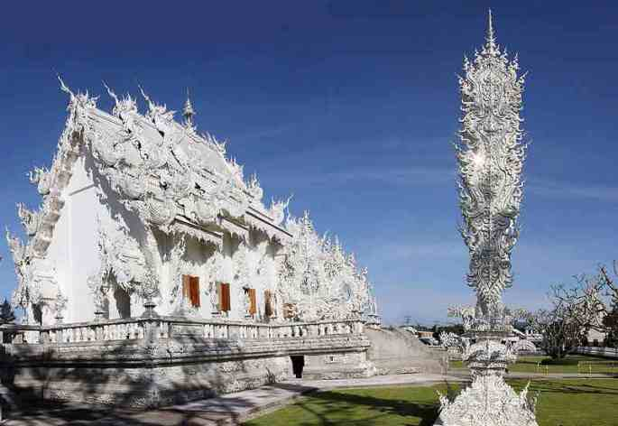 white-temple-thailand-2