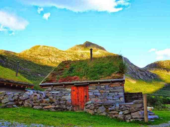 norwegian-fairytale-architecture-11