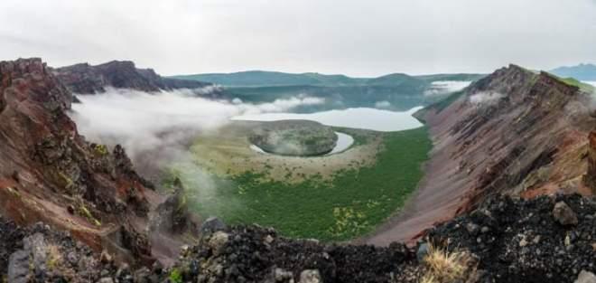 Volcano_KurilIslands_4