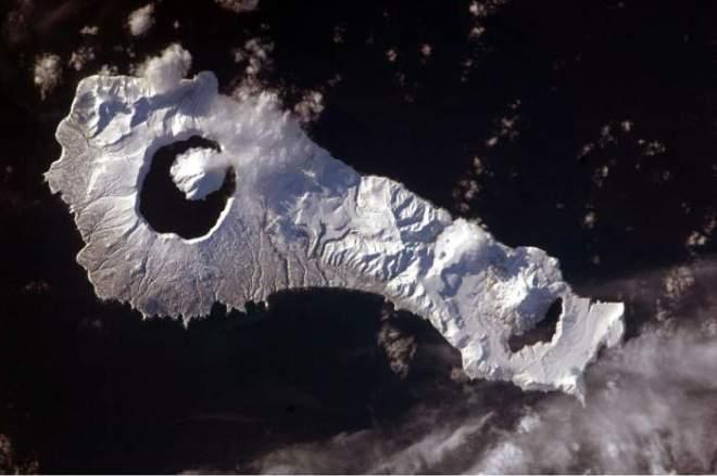Volcano_KurilIslands_5