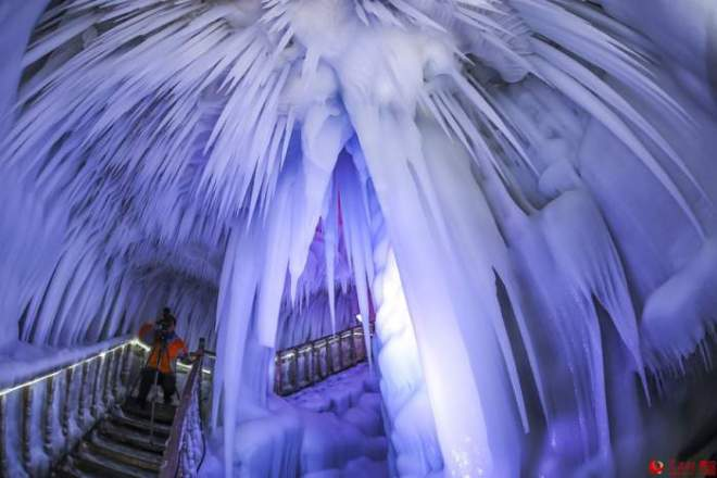 ice-cave-china-17