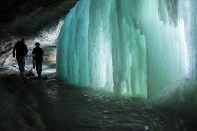 minnehaha_frozen_falls_2